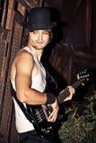 Hombre y guitarra Fotografía de archivo libre de regalías