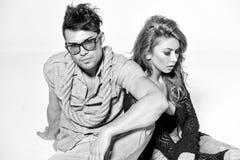 Hombre y mujer atractivos - humor retro del bw Imagen de archivo libre de regalías