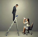 Hombre y mujer con el megáfono Foto de archivo