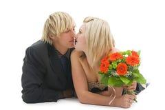 Hombre y mujer de mentira con la flor. Fotografía de archivo