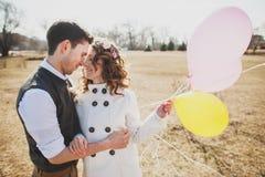 Hombre y mujer en amor Gente feliz Foto de archivo libre de regalías