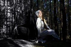 Hombre y mujer medievales fotos de archivo