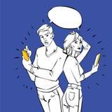 Hombre y mujer que usa los dispositivos móviles - idea retra Imágenes de archivo libres de regalías