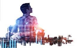 Hombre y paisaje urbano del ingeniero Técnicas mixtas Fotos de archivo libres de regalías