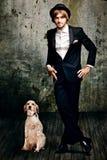Hombre y su perro Fotografía de archivo libre de regalías