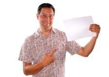 Hombre y trozo de papel en blanco Imagenes de archivo