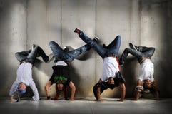 Hombres de Hip Hop en Handstand Fotografía de archivo libre de regalías