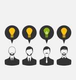 Hombres de negocios con las bombillas como concepto de nuevas ideas Imágenes de archivo libres de regalías