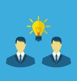 Hombres de negocios con las bombillas como concepto de nuevas ideas libre illustration