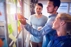 Hombres de negocios creativos jovenes Imagen de archivo