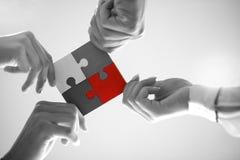 Hombres de negocios de la colaboración Team Concept del rompecabezas imagenes de archivo