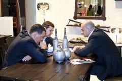 Hombres de negocios de la discusión Fotos de archivo libres de regalías