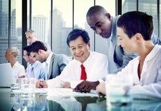 Hombres de negocios de la diversidad Team Corporate Communication Concept Fotos de archivo libres de regalías