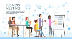 Hombres de negocios de la presentación Flip Chart Finance, empresarios casuales Team Training Conference Meeting del grupo stock de ilustración