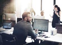 Hombres de negocios del análisis de las finanzas del crecimiento del concepto de pensamiento del éxito imagen de archivo libre de regalías