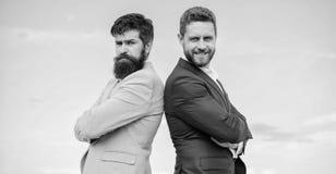 Hombres de negocios del concepto El aspecto preparado bien mejora al empresario de la reputación del negocio Hombres de negocios  foto de archivo