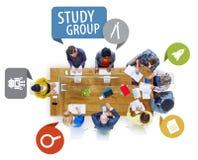Hombres de negocios del diseño Team Brainstorming Meeting Concept imagen de archivo