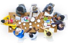 Hombres de negocios del diseño Team Brainstorming Meeting Concept imagen de archivo libre de regalías
