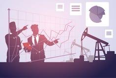 Hombres de negocios del estudio de Pumpjack del aceite de la bandera de Rig Sucess Graphic Crane Platform Fotografía de archivo libre de regalías