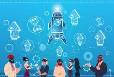 Hombres de negocios del grupo del desgaste de Digitaces de la realidad del espacio Rocket Success Startup Development de los vidr Fotografía de archivo