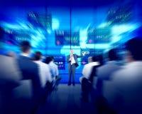 Hombres de negocios del seminario de acción de la bolsa del concepto corporativo de las finanzas Imagen de archivo
