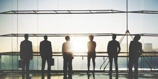 Hombres de negocios del trabajo en equipo de la aspiración del concepto corporativo de la vista posterior fotos de archivo libres de regalías