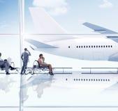 Hombres de negocios del viaje del viaje del aeropuerto del concepto del transporte Fotos de archivo