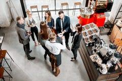 Hombres de negocios en el café fotografía de archivo