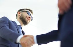 Hombres de negocios que hacen el apretón de manos - etiqueta del negocio, congratulatio Imágenes de archivo libres de regalías
