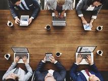Hombres de negocios que hacen frente a concepto de la reunión de reflexión de la conferencia Fotos de archivo