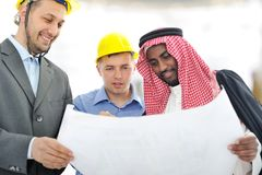 Hombres de negocios que tienen consultanting Imagenes de archivo