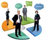 Hombres de negocios sonrientes en gráfico de sectores imagen de archivo libre de regalías