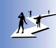 Hombres de negocios y mujeres de negocios en sus teléfonos ilustración del vector