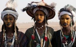 Hombres de Wodaabe en Gerewol, curación Salee, Niger Imágenes de archivo libres de regalías