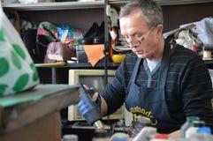 Hombres del zapatero Fotos de archivo libres de regalías