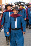 Hombres en desgaste tradicional en Ecuador Imagenes de archivo