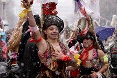 Hombres en traje de mascarada tradicional imagen de archivo libre de regalías