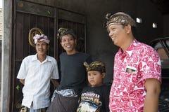 Hombres headdressed tradicionales del Balinese Imagen de archivo