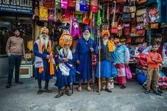 Hombres indios según lo visto en las calles de Delhi, la India Foto de archivo