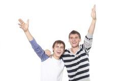 Hombres jovenes alegres Fotos de archivo libres de regalías