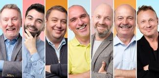 Hombres jovenes y mayores que son sonrisa segura de s? mismo fotos de archivo