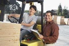 Hombres que trabajan en Warehouse Fotografía de archivo