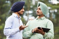 Hombres sikh indios adultos jovenes Imagen de archivo libre de regalías