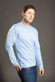 Hombres vestidos en suéter fotografía de archivo libre de regalías