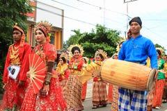 Hombres y mujeres de Sulawesi Selatan Imágenes de archivo libres de regalías
