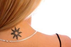Hombro y tatuaje Fotografía de archivo