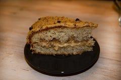 Homcoffee и торт губки honeyemade с гайками и стоковое изображение