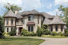 HOME de pedra luxuosa com torreta Imagens de Stock Royalty Free