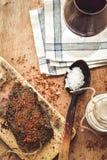 A HOME fêz o salami imagens de stock
