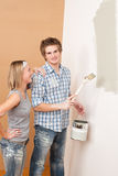Home improvement: Man painting wall Royalty Free Stock Photos